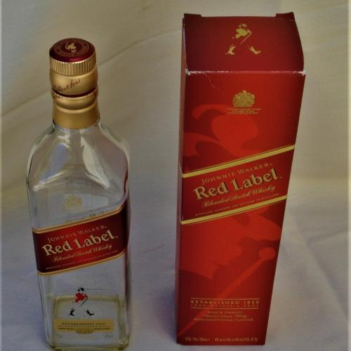 BOTELLA VACÍA CON CAJA DE WHISKY RED LEBEL JOHNNIE WALKER COLECCIONABLE DECORACIÓN